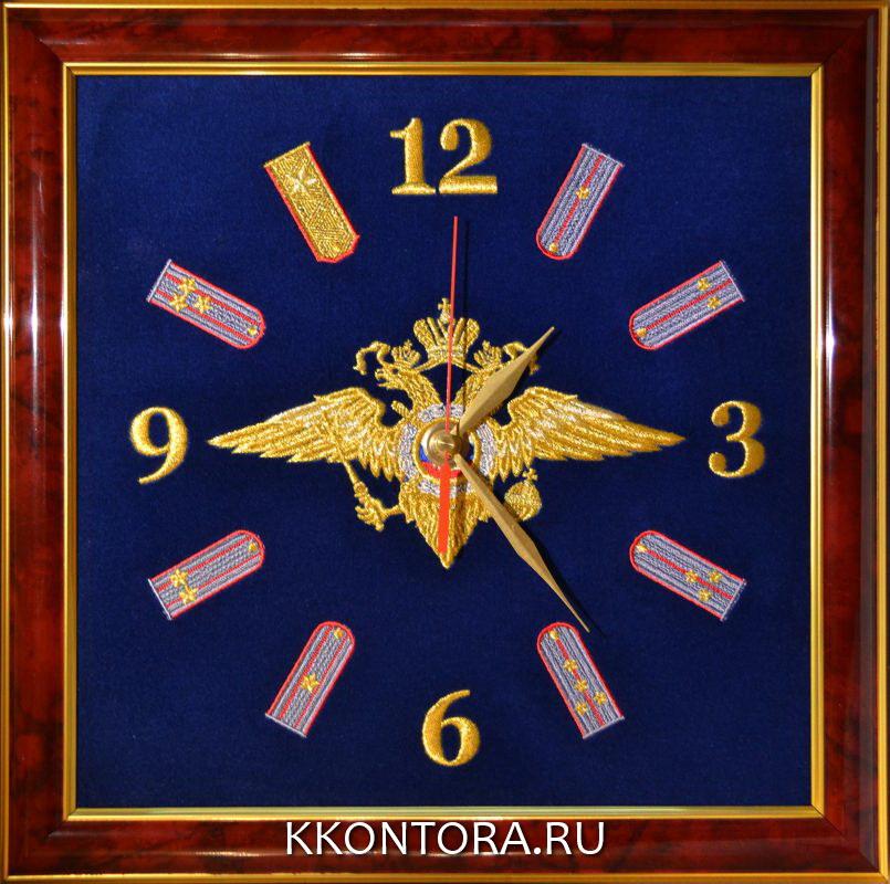 Настенные часы с вышивкой